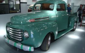 Green Ford F-1 1948